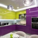 Кухня-студия-желто-фиолетоваяобухов-1004-1030x687